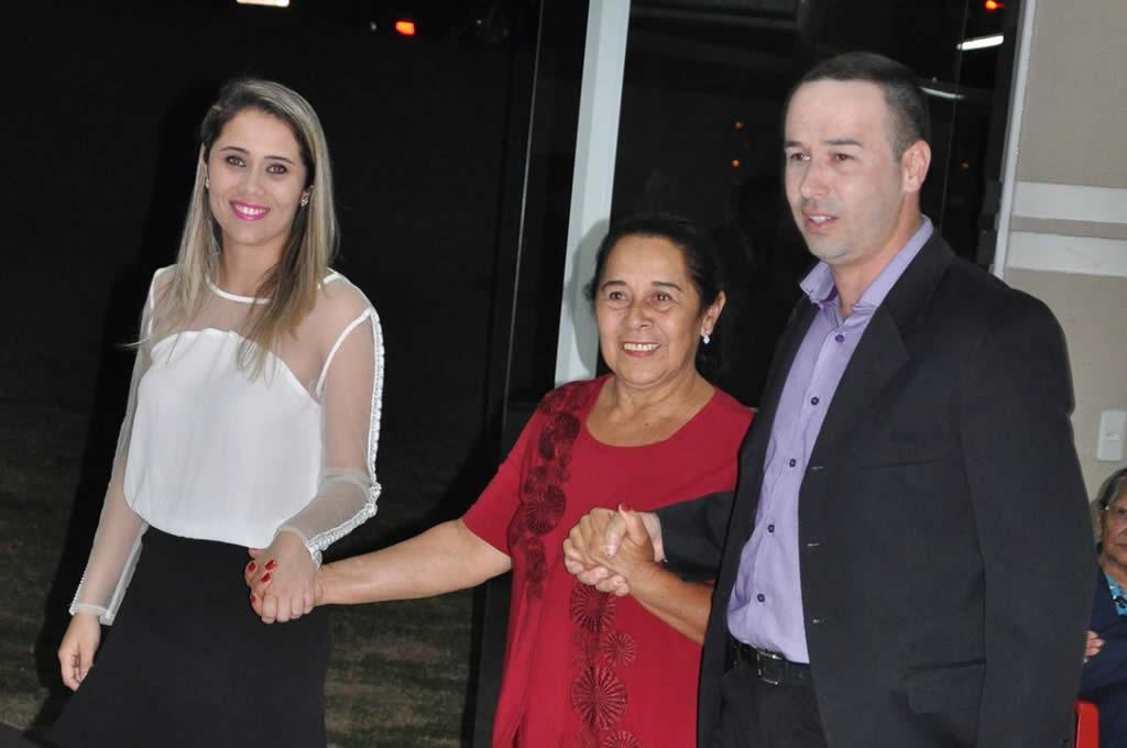 Entrega de título a sr Neusa Teodoro de Oliveira